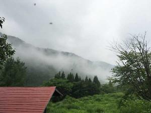 野麦では霧、下界では雲